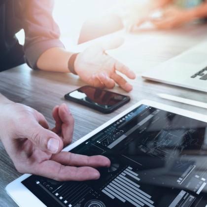 como-os-aplicativos-mobile-podem-aumentar-as-vendas-de-um-negocio-_-umov-me